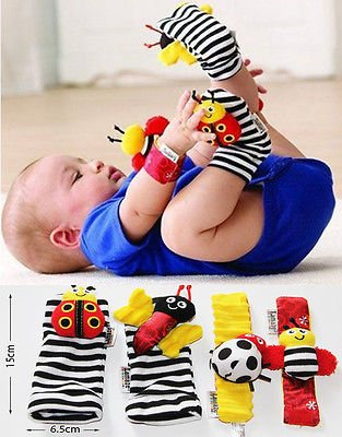 Image of Lamaze Footfinder Set Baby Toy Socks Wrist Rattles Sensory Bracelet Clothes 4pcs(Black & Wihte)