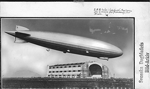 vintage-photo-of-english-airship-is-flying-across-the-atlantic