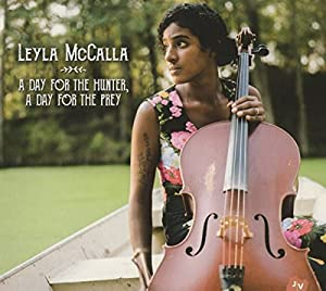 vignette de 'A day for the hunter, a day for the prey (Leyla Mccalla)'