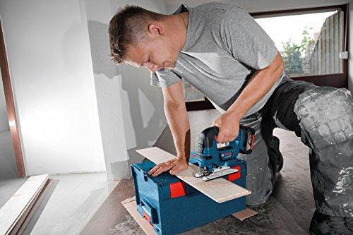 Bosch Professional GST 18 V-LI B Akku-Stichsäge, Schnitttiefen bis 120 mm Holz, 20 mm Alu, 8 mm Metall, Schrägschnitte 0-45 Grad, Solo Version, L-BOXX, 1 Stück, 06015A6101