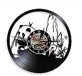 Adorable Reloj Wild Panda Bear Comiendo Registro de Vinilo de bambú Reloj de Pared Panda Lindo Decoración para el hogar Animales Reloj de Tiempo