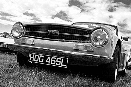 Eine 45,7x 30,5cm Fotografieren Fotodruck ein rot Classic Sports Car Triumph TR6, TR6(Spurverbreiterung Landschaft Foto schwarz und weiß Bild Fine Art Print. Fotografie von Andy Evans Fotos