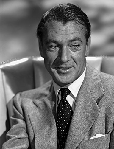The Poster Corp Gary Cooper Smiling in Suit Photo Print (20,32 x 25,40 cm) (Gary Cooper-poster)