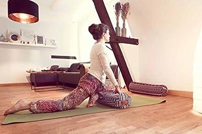 Eckiges Yoga Bolster »Paravati« mit Bio-Dinkelspelz (kbA) / Länge ca 67cm & Durchmesser ca 13cm - ideal als Yogakissen / Zafukissen / Meditationskissen / Meditiationsunterlage - hoher Sitz-Komfort dank Dinkelspelzfüllung / maschinenwaschbar & hautfreundli