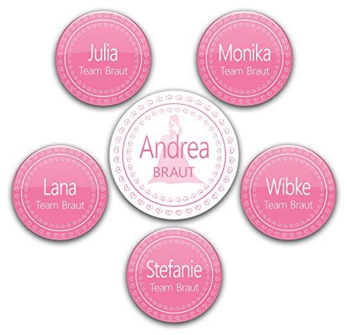 Preisvergleich Produktbild Junggesellinnenabschied-Deko: 6er Set rosa JGA-Buttons #9 - 1 Braut-Anstecker + 5 Pins Team Braut, jeweils mit Name individualisiert