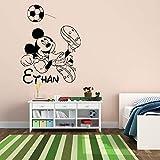 yaoxingfu Mouse Football Game Rimovibile Wall Stickers per Ragazzi Nome Stanza Personalizzato Vinyl Decalcomanie Nursery Bambini Home Decor Card Colore 56x75cm