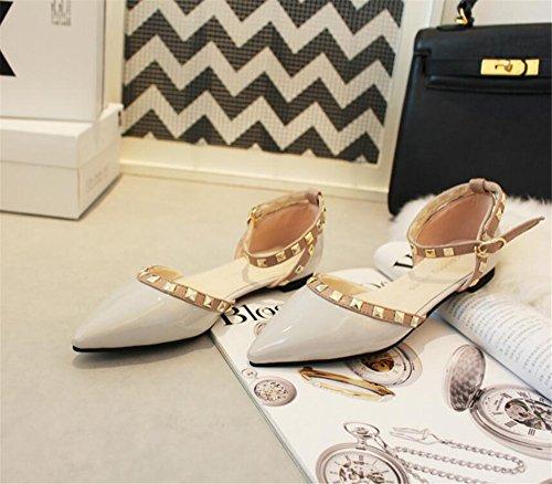 Xue Qiqi Court Schuhe Fan Schnalle mit römischen Nieten wies Flache Schuhe Pumps Schuhe Lackschuhe, 38, hellgrau