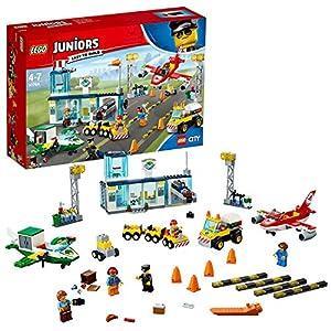 LEGO Juniors 4+ City - Gran Aeropuerto de la Ciudad, Juguete de Construcción con Aviones de Colores, Coches, Vehículos y Minifiguras (10764)