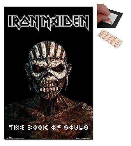Set–2Artikel–Iron Maiden The Book Of Anime Poster–91.5x 61cm (36x 24Zoll) und ein Set von 4Repositionierbare Klebepads für einfache Wandbefestigung