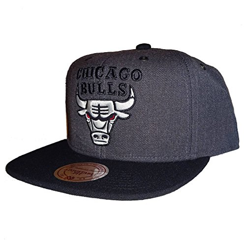 Mitchell & Ness Herren Caps / Snapback Cap G3 Chicago Bulls Logo grau Verstellbar