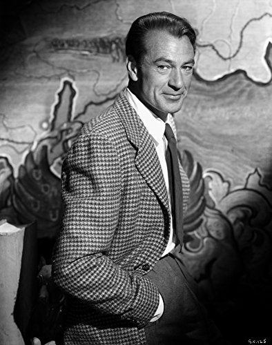 The Poster Corp Gary Cooper Posed in Checkered Suit Photo Print (60,96 x 76,20 cm) (Gary Cooper-poster)