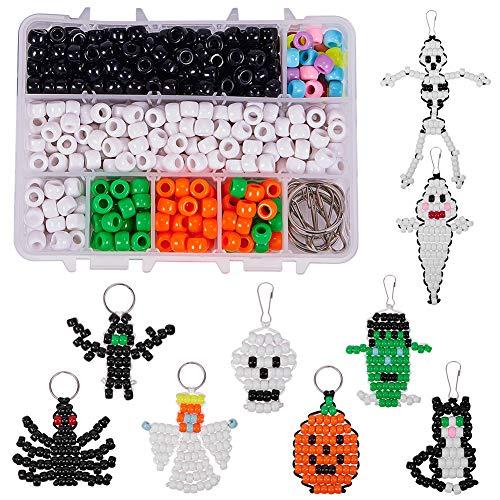 SUNNYCLUE 1 Box DIY Machen 9 STÜCKE Halloween Thema Perle Haustiere Kit 8mm Pony Perlen Sortiment Box Set mit Schlüsselring & Lanyard Clips, Anweisung