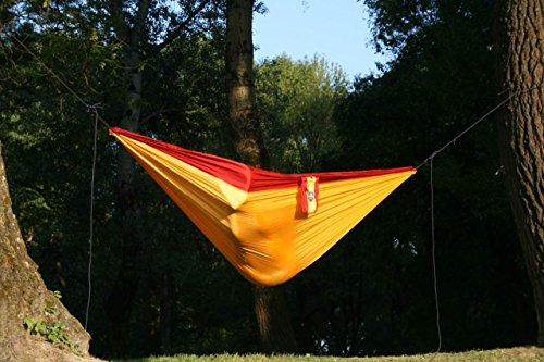 Camper Doppel – Leichthängematte aus Fallschirmseide gelb-bordeauxrot - 4