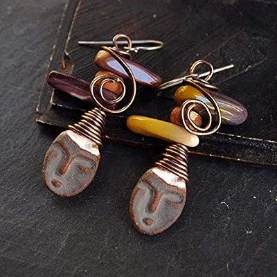 boucles d'oreille visage tête masque tribal avec pierre naturelles pierre fine jaspe Mokaite - bijoux tons marron couleur automne - beau bijou ethnique ethnic créateur - cadeau original