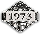 Distressed envejecido Vintage 1973Edition Classic Retro vinilo coche moto Cafe Racer Casco Adhesivo Insignia 85x 70mm