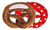 Wildfang by Nyani | Stofftier Plüsch-Brezel als Baby-Rassel | Kuscheltier für Kleinkinder als Spielzeug-Geschenk (rot/weißes Herz-Muster und Rassel)