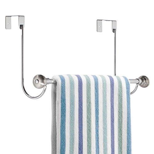 mDesign Handtuchhalter ohne Bohren – ideales Badzubehör zur Ablage und zum schnellen Trocknen von Handtüchern – wird an Tür oder Duschtür gehängt – rostfrei – Farbe: Silber
