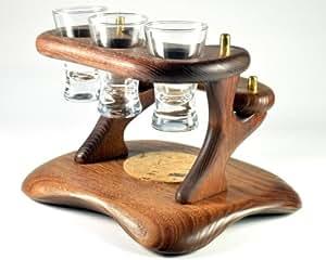 Mini-bar en bois pour les boissons. Meilleurs accessoires faits à la main pour la maison / bureau