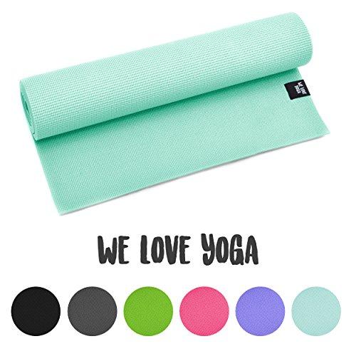 Yogamatte - We Love Yoga - 180cm, 6mm dicke extrem rutschfest mit optimaler Dämpfung, leicht und Schadstofffrei - für Yoga, Pilates, Stretching, Gymnastik - von Zen Power, in verschiedenen Farben