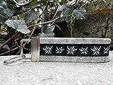 Schlüsselanhänger Taschenanhänger Wollfilz hellgrau Edelweiß schwarz weiß Geschenk!