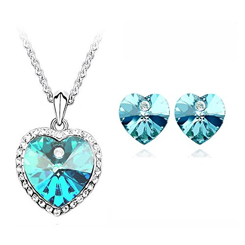 Cyan heart shaped blue pendant set for women