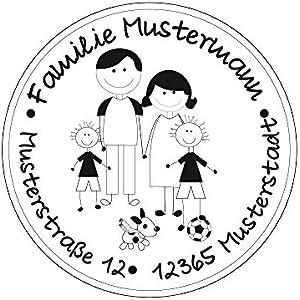 Familienstempel   Personalisierter Adressstempel mit Familienname und Adresse   Eltern mit 2 Jungen und Hund