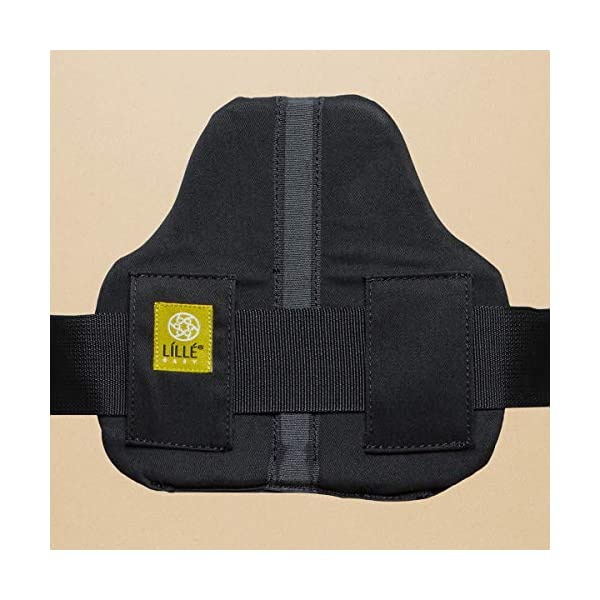 LÍLLÉbaby  Complete All Seasons 6-in-1 Baby Carrier, Black Lillebaby With a temperature regulating breathable panel that unzips to encourage airflow in warm conditions and 6 carrying positions - Foetal, infant inward, outward, toddler inward, hip, back - The only carrier you'll ever need! Suitable from 3.2- 20kg (birth to approx. 4 years old), providing extended comfortable use for parent and child with no additional infant support required for new-borns - the ergonomic adjustable seat is acknowledged as 'hip-healthy' by the International Hip Dysplasia Institute Unique spacious head support with elasticated straps - soothes infants with gentle lulling motion and provides excellent support as children grow 8