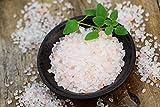 Hanoju Kristallsalz granuliert 1000 g Zip Beutel I Bekannt auch als Himalaya Salz I Körnung 1-3 mm I Aus den Minen der Salt Range geeignet für Salzmühlen