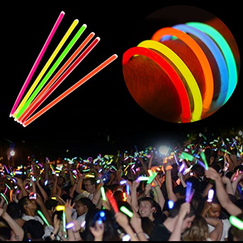 Preisvergleich Produktbild 100 Knicklichter Glow Sticks 20cm Leuchtsticks verschiedene Farben Light Up Glow Sticks Armband Ketten LED-Blinklicht Neon für Party, Jäten, Weihnachten und Dancing Clubs