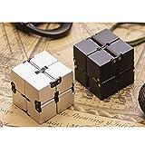 YWT Cubo de Rubik, Cubo de Velocidad 2x2x2 descompresión Puzzle Magic Cubos de Carbono Juguete Infinito Rubik Cubo artefacto Flip UV con agravante Juguete del Dedo,Silver