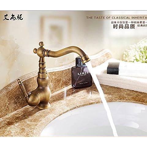 Furesnts casa moderna cucina e il lavandino del bagno rubinetti