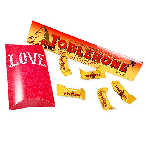 2016s-valentines-day-toblerone-with-limited-edition-moreton-gifts-love-pouch-full-of-toblerone-minis