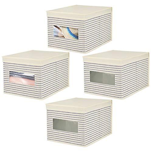 mDesign 4er-Set stapelbarer Ordnungsboxen mit Sichtfenster für den Kleiderschrank - große Aufbewahrungsboxen aus Kunstfaser mit Deckel zur Kleideraufbewahrung - natur/blau