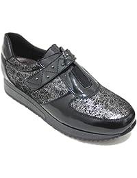 e241c811ce299 Bona Moda 96153 - Zapato Clásico Mujer Piel Negra con Lineas Plateadas  Cierre Velcro Y Detalle