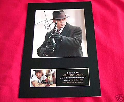 JOHNNY DEPP reproduction autograph Signed Photo REPRO PRINT