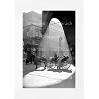 Archivio Foto Locchi Firenze – Stampa Fine Art su passepartout 50x70cm. – Immagine di una carrozza a Firenze negli anni '50