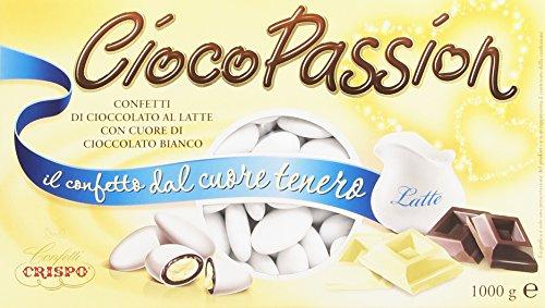 INGREDIENTI: Confetti di Cioccolato al Latte Ripieni di Cioccolato Bianco. Parte Esterna: Zucchero, Amido di Riso e di Mais, Gelificanti (Maltodestrina, Gomma Arabica), Aromi: (Vanillina, Etilvanillina), Coloranti: (E100, E101, E120, E133, E160a, E16...