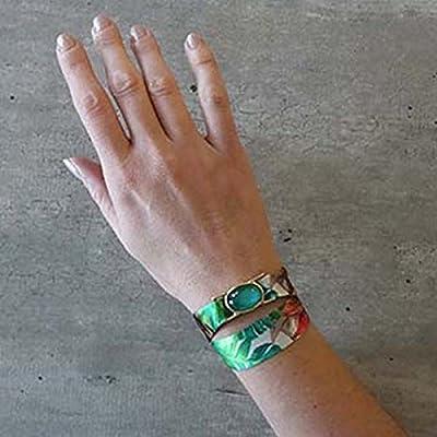 Bracelet en soie à nouer avec pierre en cristal qui change de couleur.