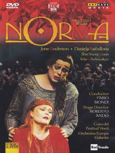 norma-theatre-royal-de-parme-2001-booklet