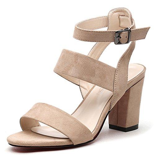 Un pulsante con un spesso tacco sandali/Tacchi alti romani aperti C