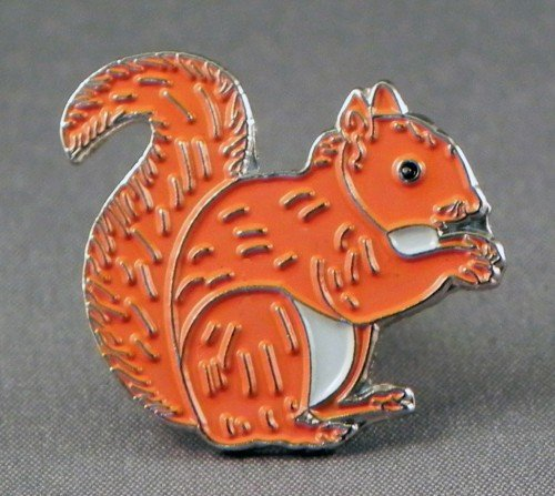 Mainly Metal Metall Emaille Pin Badge Landschaft rot Eichhörnchen -