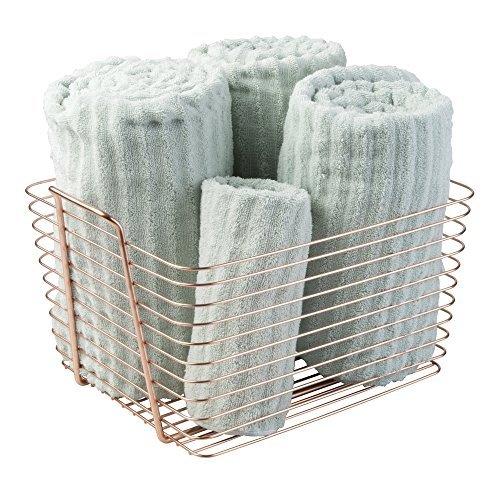 mDesign Drahtkorb aus Metall fürs Badezimmer – große Aufbewahrung für Kosmetik, Pflegeprodukte etc. – auch als Handtuch Aufbewahrung oder für die Küche und das Büro geeignet – kupferfarben