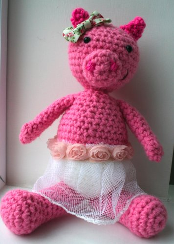 8 Crochet Amigurumi Pig Free Patterns | 500x356