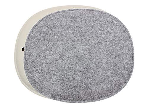 4er Set ovale Filz Sitzkissen in cremeweiß/Graumeliert, waschbare Stuhlauflage mit Füllung. Moderne Sitzauflage u.a. für Designer Stühle z.B. Side Chair Eames oder Fanbyn.