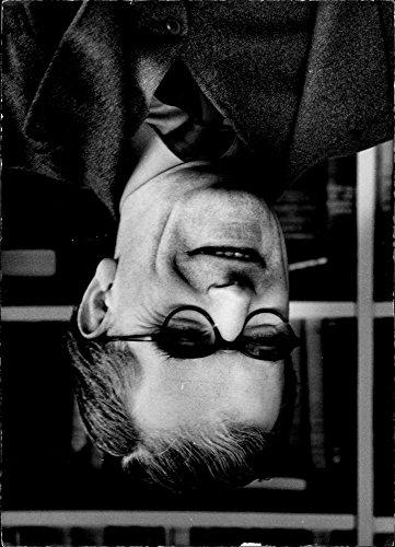 vintage-photo-of-portrait-of-canon-mervyn-stockwood