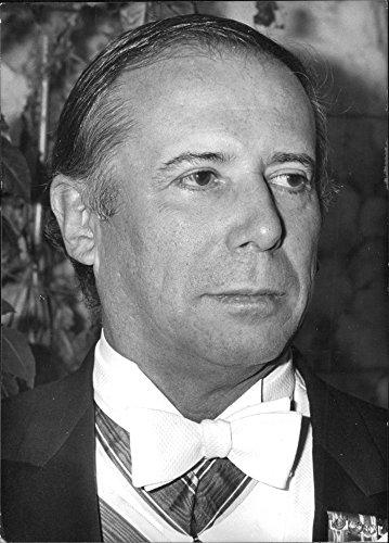 vintage-photo-of-brazilian-diplomat-roberto-de-oliveira-campos-1975
