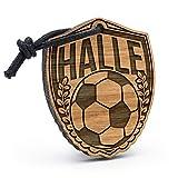 Fashionalarm Schlüsselanhänger Fußball - Halle aus Holz mit Gravur | Wappen mit Ärenkranz als Geschenk Idee für Club Verein Fans