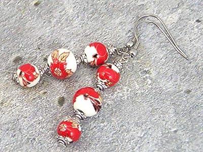 Boucles d'oreilles avec perles fines en porcelaine imprimé florale rouge et blanc, coupelles argentée et crochet en acier inoxydable