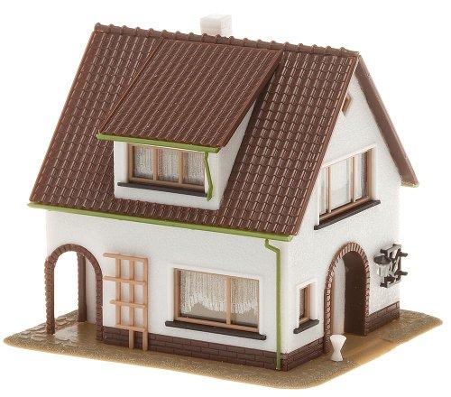 Preisvergleich Produktbild FALLER 130200 - Haus mit Dachgaupe