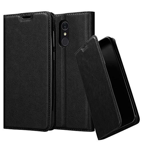 Cadorabo Hülle für LG Q7+ (Plus-Version) - Hülle in Nacht SCHWARZ - Handyhülle mit Magnetverschluss, Standfunktion & Kartenfach - Case Cover Schutzhülle Etui Tasche Book Klapp Style
